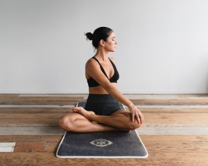 12 Quick 10-Minute Yoga Flows For Busy Days {with Videos}